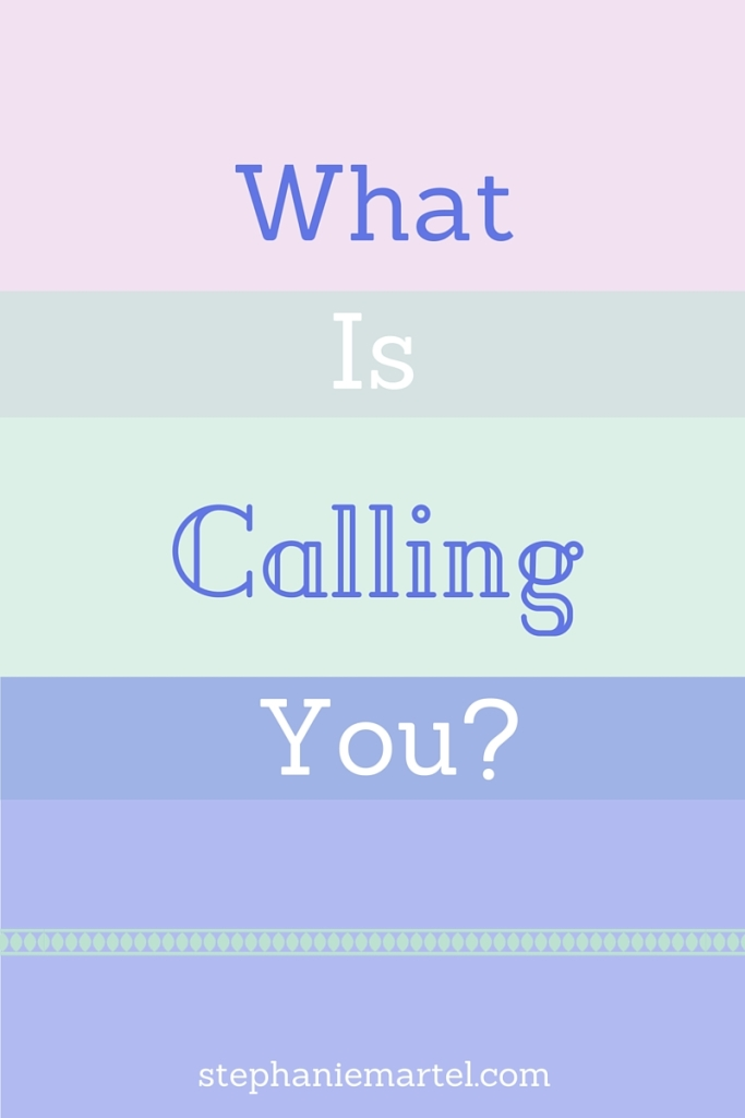 Everyone has a 'thing', do you know yours? When you're not sure what is calling you, it can be frustrating and overwhelming. Click through to read 5 simple ways to recognize what is calling you (and how to listen to it!)