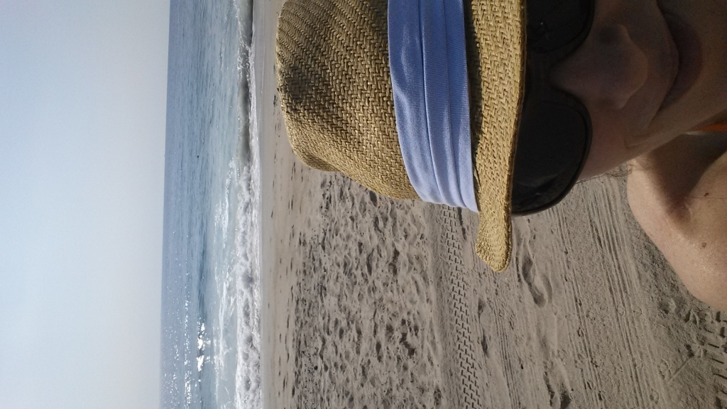 beach with hat